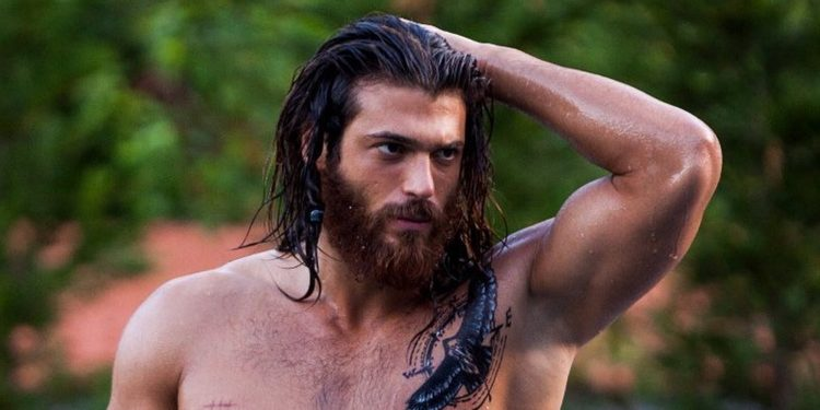 Can Yaman Supervivientes