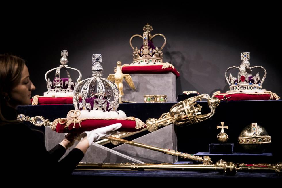 Isabel II Corona