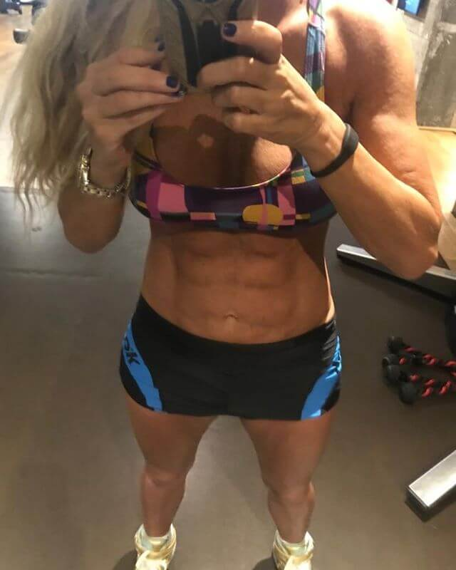 Leticia Six Pack