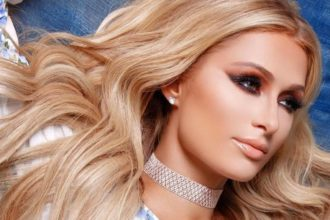 Paris Hilton Portada